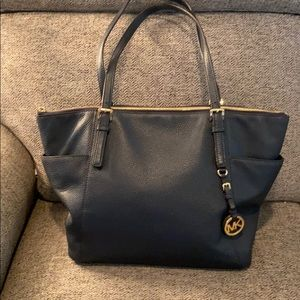 Michael Kors Navy Blue leather Tote  Side Pockets